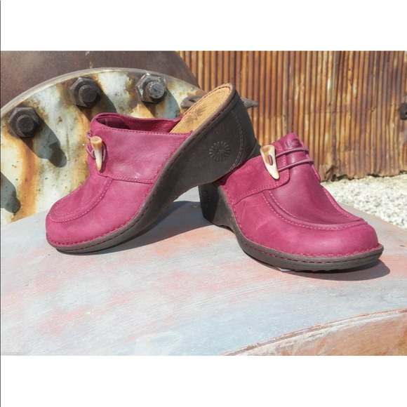 UGG Shoes - Women's UGG Valle Clog Burgandy Size 7